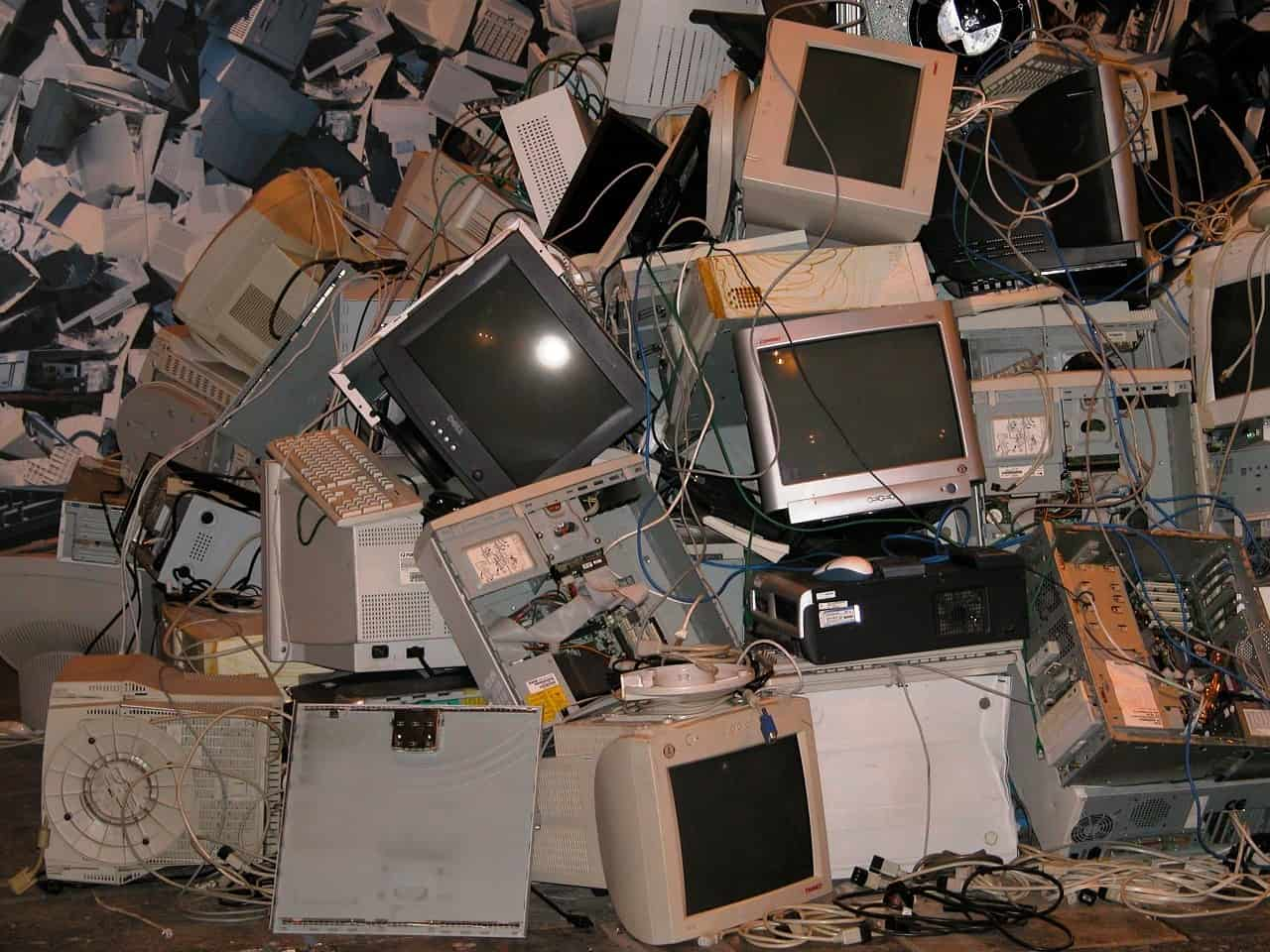 3 Ways To Know Your Data Is Secure When Disposing Of Old Electronics